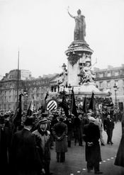 Socialistes A Paris (1905-2005) - Intérieur - Format classique