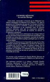 L'Europe Mediane ; Au Seuil De L'Europe - 4ème de couverture - Format classique