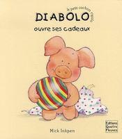 Diabolo ouvre ses cadeaux - Intérieur - Format classique