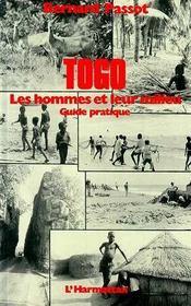 Togo ; Les Hommes Et Leur Milieu - Intérieur - Format classique