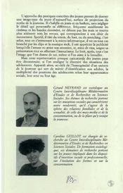 Entre Clips Et Looks : Les Pratiques De Consommation.. - 4ème de couverture - Format classique