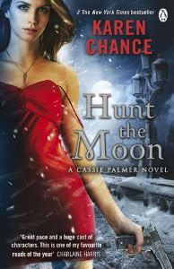 Vente Livre :                                    Hunt the moon                                      - Karen Chance