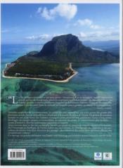 Îles pionnières ; dans un monde qui change - 4ème de couverture - Format classique