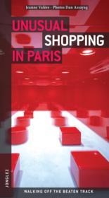 Unusual shopping in Paris - Couverture - Format classique