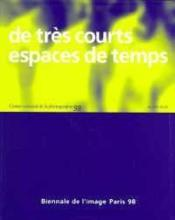 De Tres Courts Espaces De Temps - Couverture - Format classique