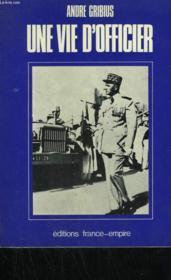 Une Vie D'Officier. - Couverture - Format classique