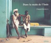 Dans la main de l'Inde - Couverture - Format classique