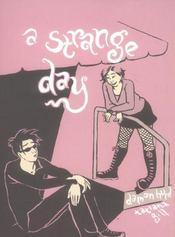 A strange day - Intérieur - Format classique