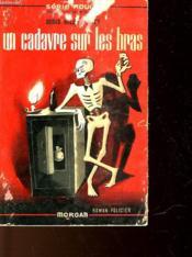 Un Cadavre Sur Les Bras - The Family Skeleton - Couverture - Format classique
