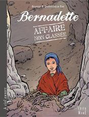 Bernadette ; affaire non classée - Intérieur - Format classique