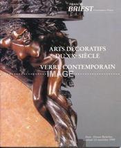 ARTS DECORATIFS DU XXE SIECLE. VERRE CONTEMPORAIN. [ GALLE. LALIQUE. DAUM. DAUM ET COCTEAU. DAUM ET STARCK. KOTTRER. NEGREANU. JJ. RAYMOND. ZORITCHAK. ZUBER ]. 13/11/1998. (Poids de 192 grammes) - Intérieur - Format classique