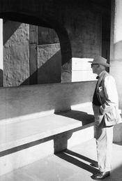 Le Corbusier, Moments Biographiques - Intérieur - Format classique