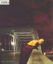 Tour eiffel un voyage immobile - 4ème de couverture - Format classique