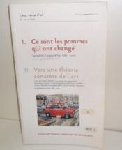 L'Eau, revue d'art. N° 1-2-3, 25 Septembre 2000. I/ Ce sont les pommes qui ont changé, la réalité aujourd'hui 1987-2000, avec une préface de Didier Semin. II/ Vers une théorie concrète de l'art : L'Art de l'idée, Warhol, La notion de readymade, Duchamp, Lavier, L'argumentation esthétique, Rothko, Leroy, ... - Couverture - Format classique