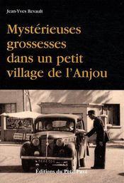 Mystérieuses grossesses dans un petit village de l'Anjou - Couverture - Format classique